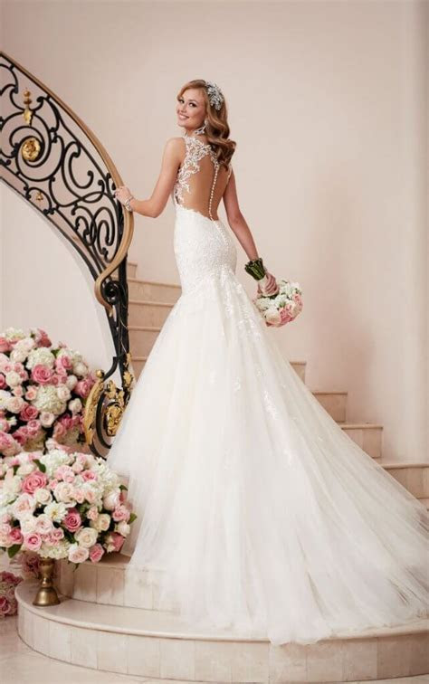 Trumpet vs. Mermaid Wedding Dresses: What's the difference?