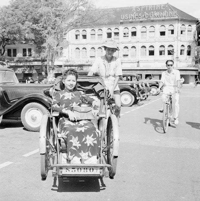 Велорикша на улице Катина1950 неиз