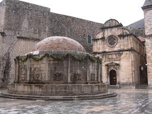 Dubrovnik, entrada de la font.