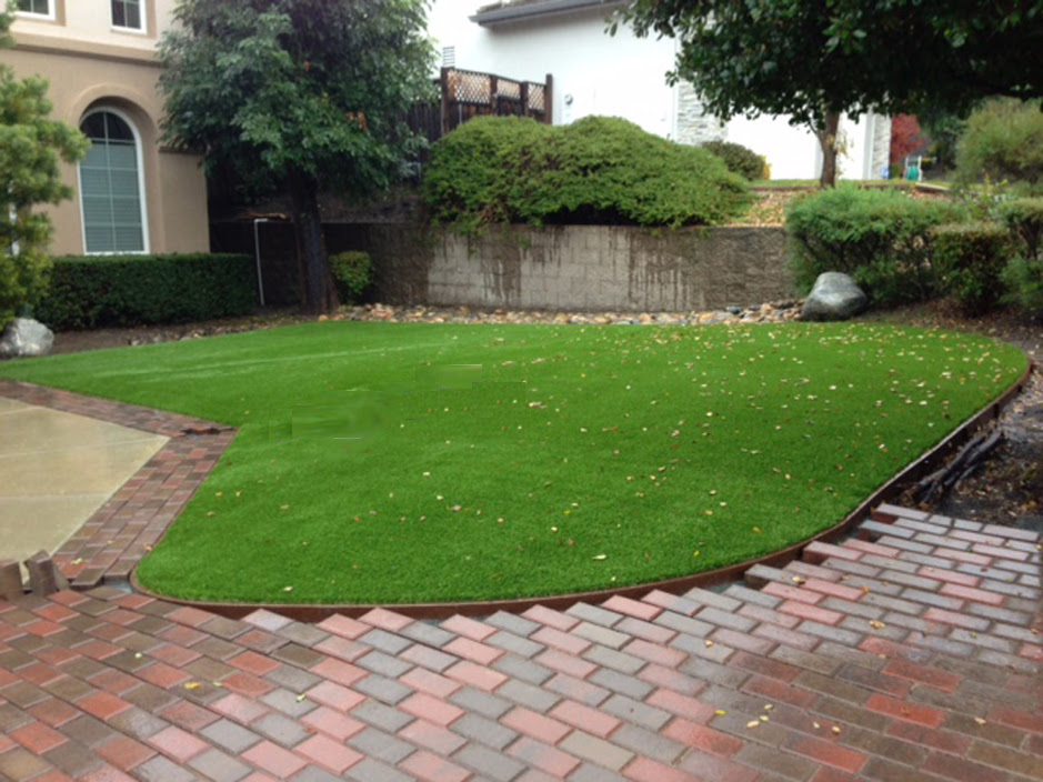 Turf Grass Thousand Oaks California City Landscape Front Yard