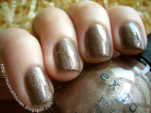 exposed nail polish cappucine