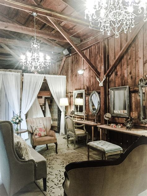Bridal suite at The Barn at Silver Oaks Estate   Dream