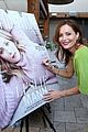 leslie mann is making us green with envy in pucci 03