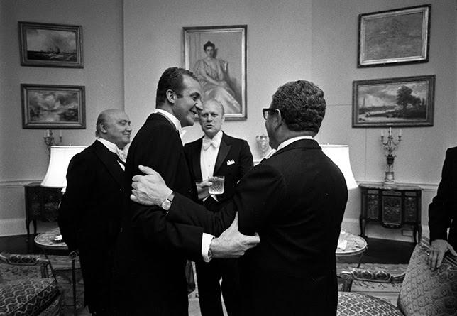 La Casa Real española pactó en secreto con Kissinger la entrega del Sáhara a Marruecos a cambio de la Corona.