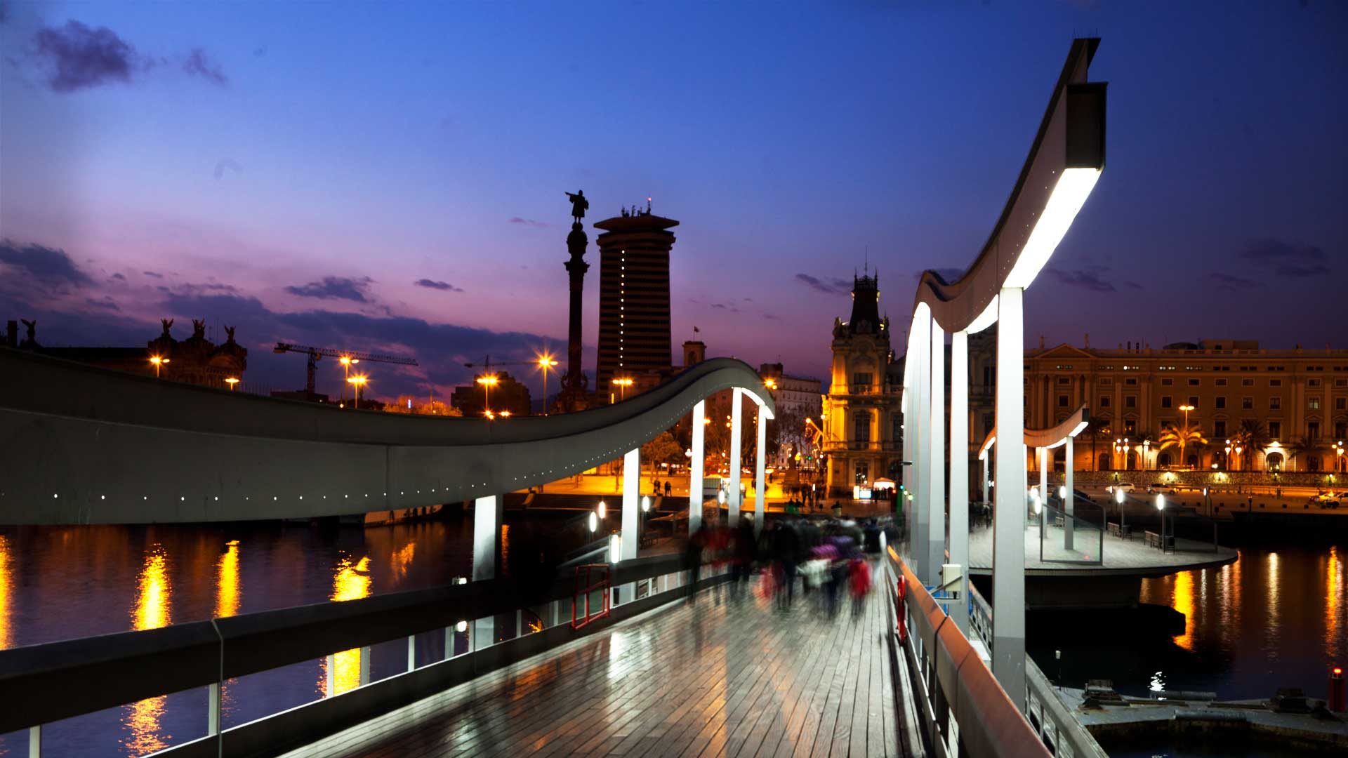 5 Plans for a Night Out in Barcelona - What to do in Barcelona