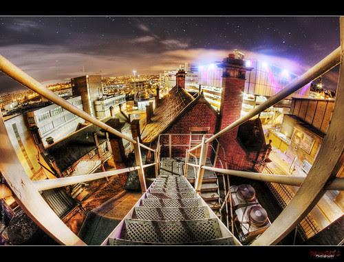 UE Rooftop xxx por rustysphotography