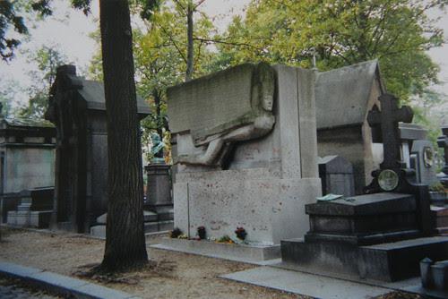Oscar Wilde, Cimetière du Père-Lachaise, Paris _ 8696