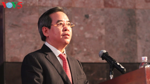 Head of the Party Central Committee's Economic Commission, Nguyen Van Binh addressed the forum