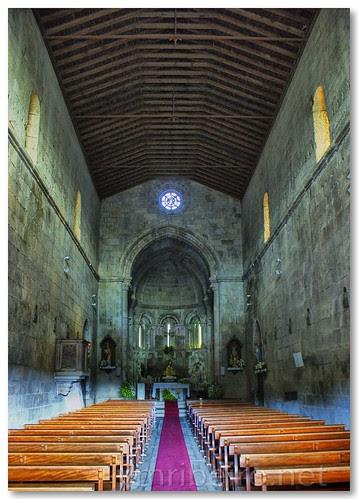 Interior da igreja românica de Fonte Arcada by VRfoto