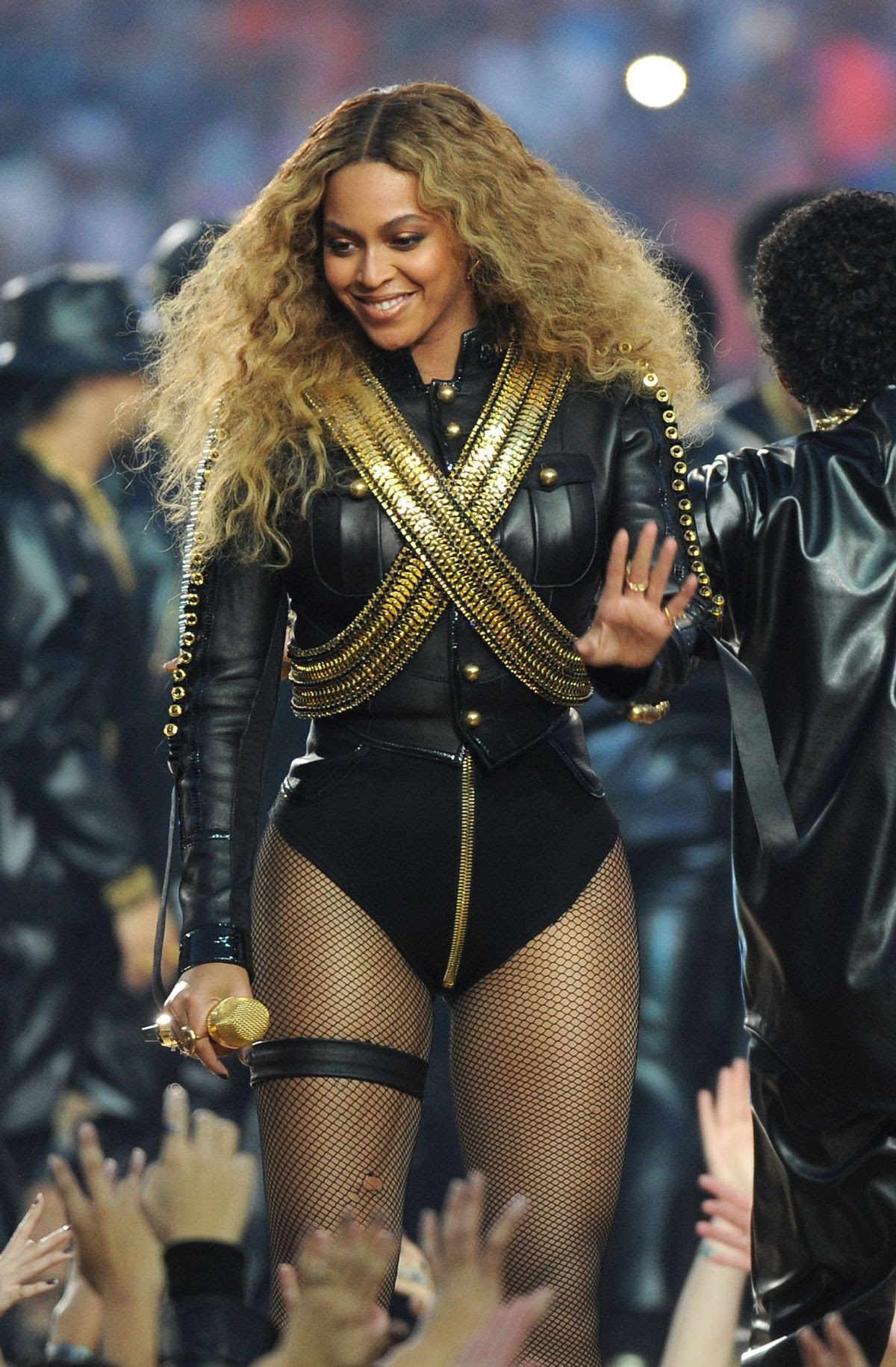 BEYONCE KNOWLES Performs at Pepsi Super Bowl 50 Halftime Show in Santa Clara 02/07/2016