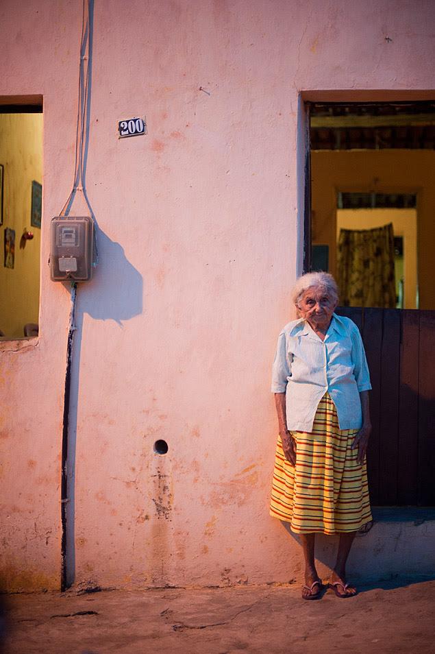 Dona Carmélia, cujo pai trabalhava em um dos campos