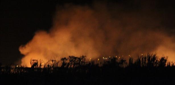 26set2013---uma-aeronave-de-pequeno-porte-foi-abatida-pela-policia-federal-na-noite-desta-quarta-feira-25-ao-tentar-aterrissar-em-uma-pista-clandestina-em-bocaina-a-311-km-de-sao-paulo-1380172617089_615x300