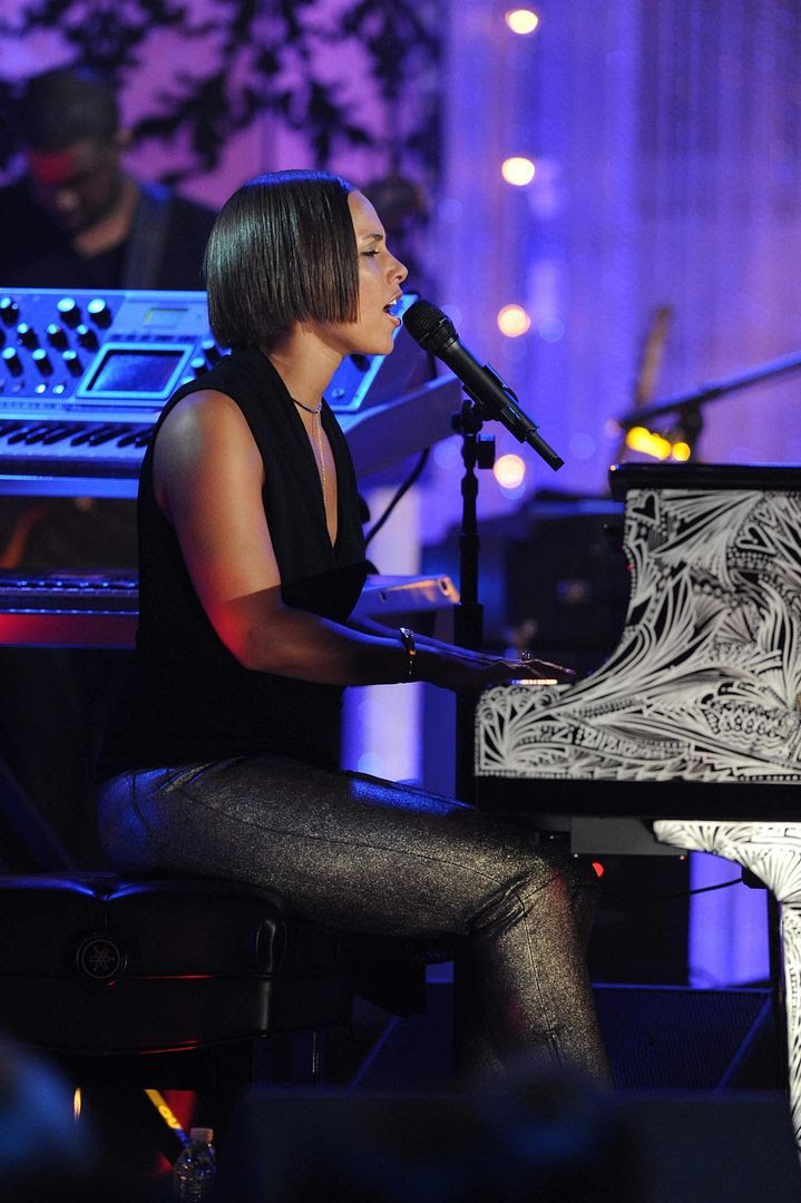 VH1 Storytellers 2012, Alicia Keys