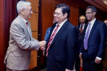 Menteri Perindustrian Airlangga Hartarto bersama Duta Besar Bangladesh untuk Indonesia Azmal Kabir