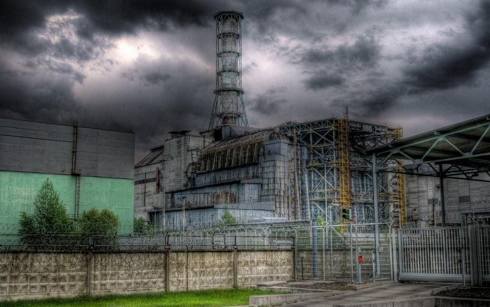 Por que é possível viver em Hiroshima e Nagasaki, mas não em Chernobyl?