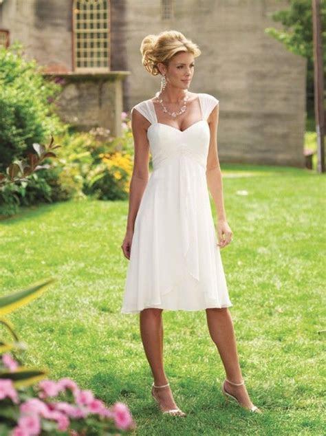 Wedding Guest Etiquette: Dress Code Edition