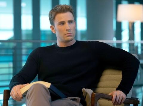 Steve Rogers/Captain America (Chris Evans) in Marvel's Captain America: Civil War.