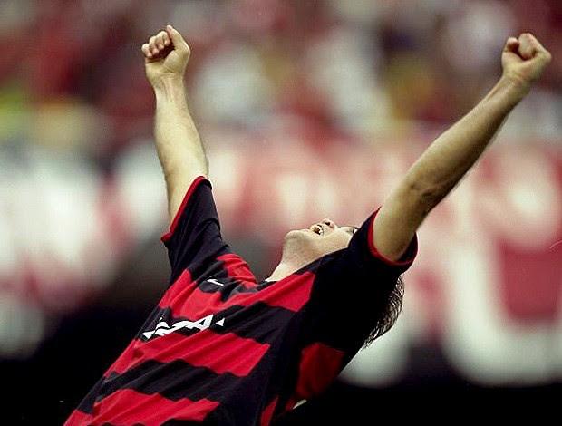 Gol Petkovic Flamengo x Vasco 2001 (Foto: Hipólito Pereira / O Globo)