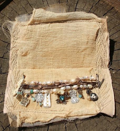 Bracelet in holder