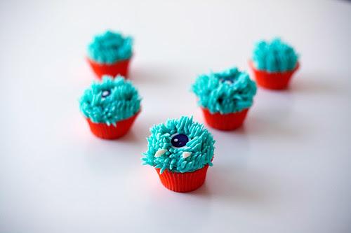 mini monster eyeball cupcakes