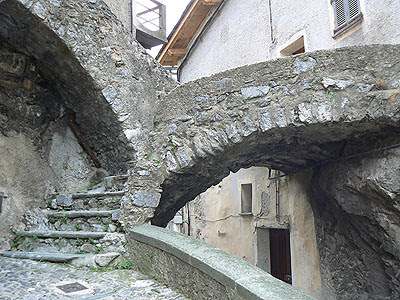 arche de pierre.jpg