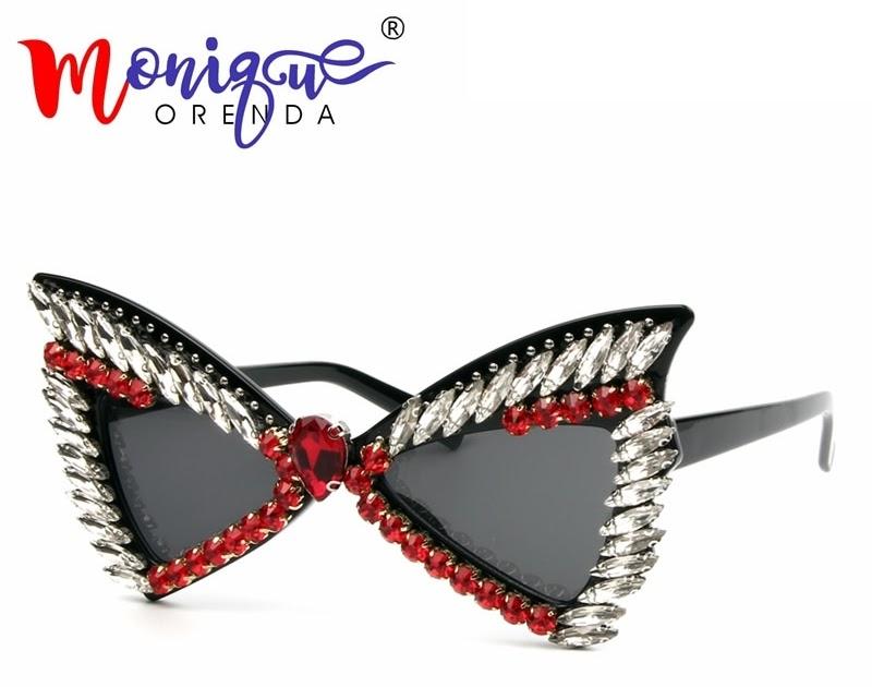 60cc2dfdd1c31 Comprar Óculos De Sol Das Mulheres 2018 óculos Do Olho Gato Morcego  Rebitadas Partido Strass Luxo Vintage Para Homens Festival Baratas Online  Preço ...
