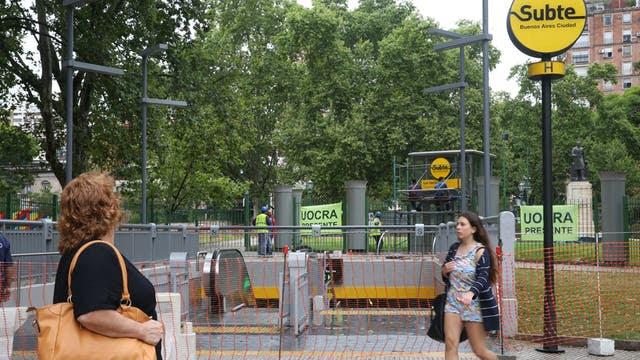Debajo de la plaza Mitre, un rincón emblemático de Recoleta, funciona una de las nuevas paradas