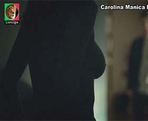 Carolina Manica nua na serie Psi