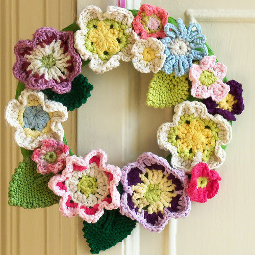 cajunmama:  Crochet Wreath (by Bustle & Sew) close up