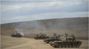 טנקים טורקים על הגבול הסורי