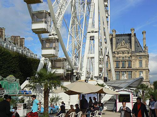 roue et Louvre.jpg