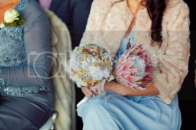 http://i892.photobucket.com/albums/ac125/lovemademedoit/PARRY_Ceremony_163.jpg?t=1319741488