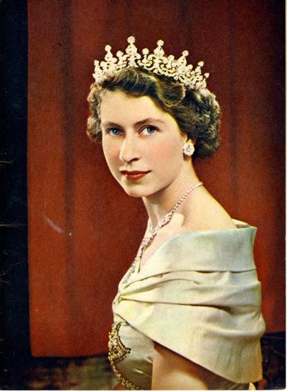 Elizabeth II001.jpeg