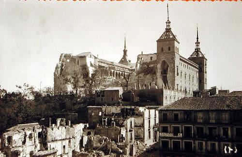 Alcázar de Toledo en Plena Guerra Civil (I). Foto Rodríguez
