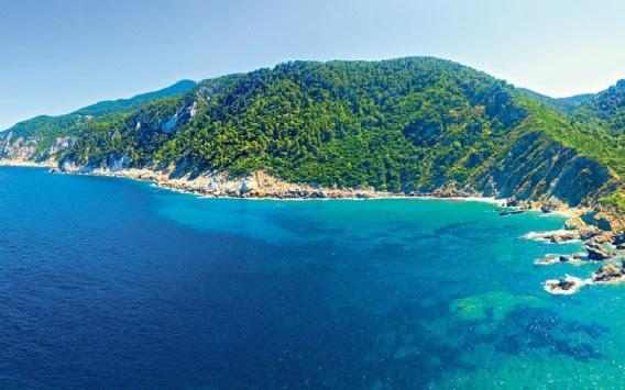 Σκόπελος: Το τέλειο ελληνικό νησί για διακοπές; Τι γράφει η Τelegraph