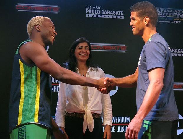 Patolino e Leo Santos encarada treino aberto UFC (Foto: Adriano Albuquerque)