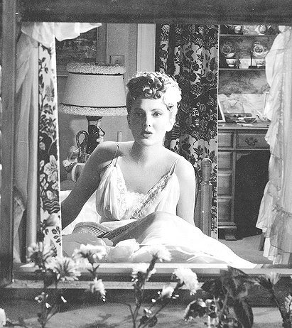 Jean Arthur in The More the Merrier
