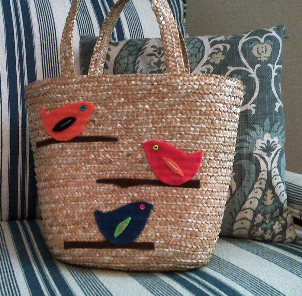 birds on a branch straw tote