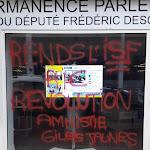 Saint-Maur-des-Fossés: vandalisme contre la permanence du député Descrozaille