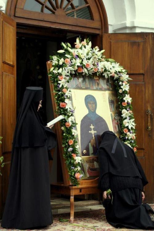 orthodoxwayoflife:  Orthodox nuns are reading the Paraklesis to the Saint