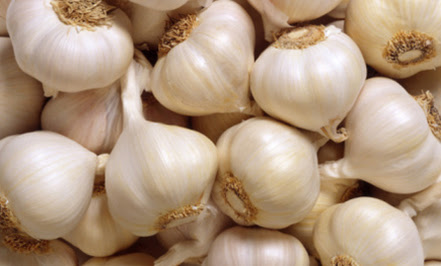 http://www.almrsal.com/wp-content/uploads/2014/02/Benefit-of-garlic-for-sex.jpg