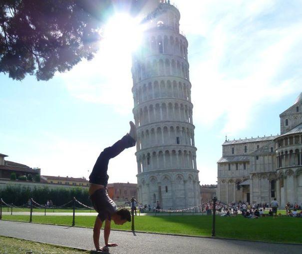 Ποζάροντας με τον Πύργο της Πίζας (4)