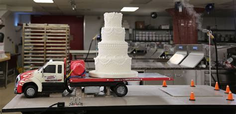 Tow Truck Wedding Cake   Cake Boss Cakes   Pinterest   Tow