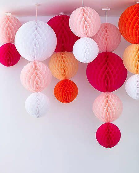 20 DIY Tissue Paper Pom Poms   Halloween   Paper party