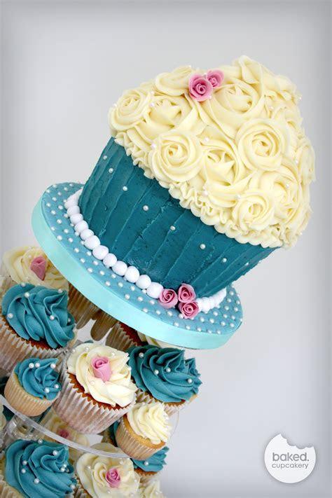 Wedding cupcakes ? Baked.