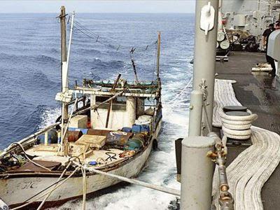 Ντόμινο ληστειών στα Στενά της Μαλάκα – Απόπειρα σε ελληνόκτητο πλοίο