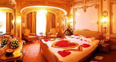 Pakistani Bridal Room Decoration 2018 for Wedding Night