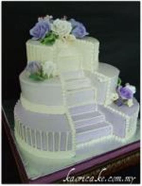 Wedding Cakes with Fountains and Stairs   LoveToKnow