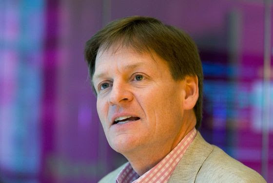 """Author Michael Lewis speaks during an interview in New York, U.S., on Monday, March 15, 2010. Lewis's new book is """"The Big Short: Inside the Doomsday Machine."""" Photographer: Jonathan Fickies *** Local Caption *** Michael Lewis"""