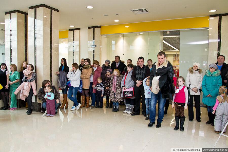 Зрители и верхняя одежда. ТРЦ РИО, Саранск, 08.03.2013